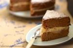 chai & honey buttercream cake slice