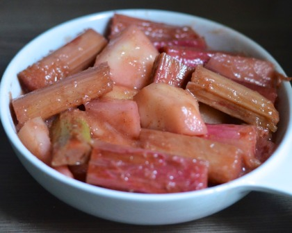 TIK_Spiced Rhubarb & Pear Crumble with Vanilla Custard Prep