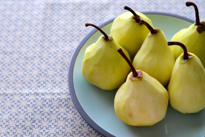 Peeled pears - TIK