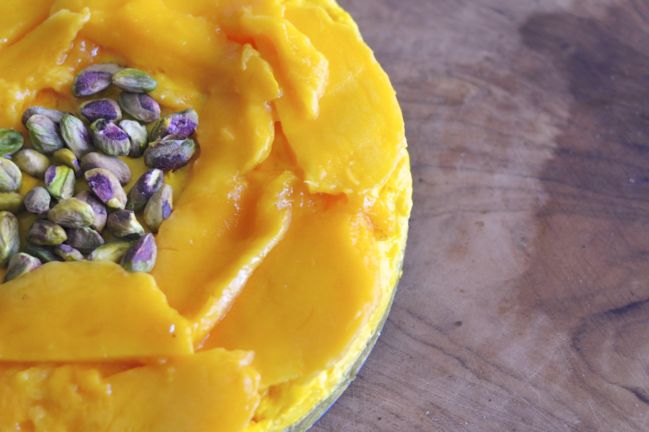 ... Mango, Saffron & Pistachio Cheesecake {gluten free} | The Imperfect